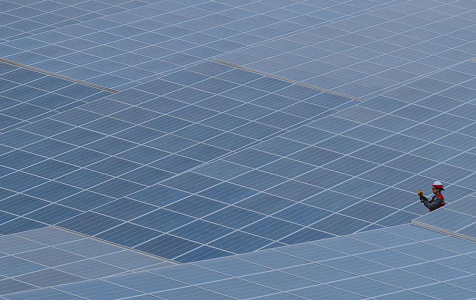 Acciona invertirá 120 millones en dos plantas que darán energía a Novartis