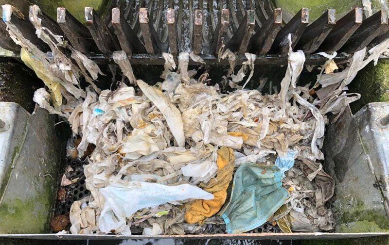 Las depuradoras tratan 134 camiones de residuos por el mal uso del alcantarillado