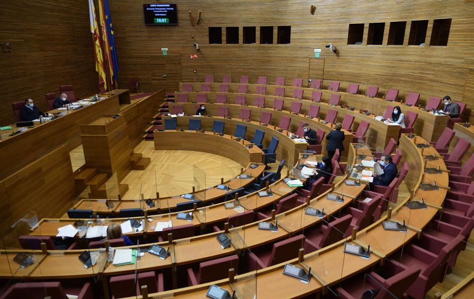 Botànic aprueba en comisión la ley de Acompañamiento con la abstención de Cs