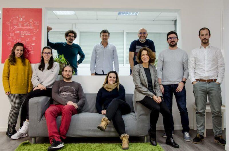equipo de la startup BarbarIoT