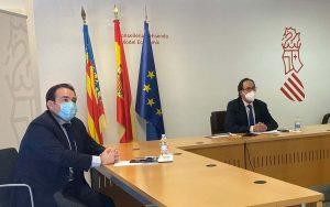 El conseller de Hacienda, Vicent Soler, junto al director general del IVF, Manuel Illueca.