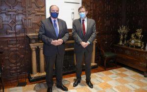 El presidente del Consejo de Cámaras de Comercio de la Comunitat Valenciana, José Vicente Morata, junto al president de la Generalitat, Ximo Puig