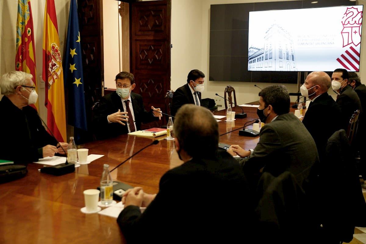 Puig preside la mesa de reunión donde se ha debatido sobre el Fondo Covid de la Generalitat