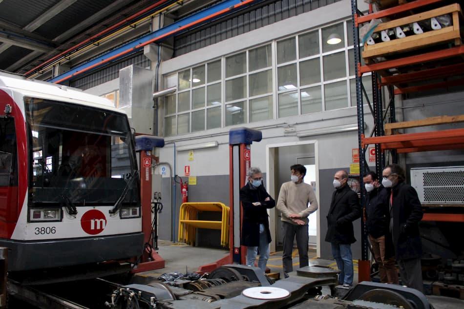 Arcadi España visita las instalaciones de los talleres de Tarongers