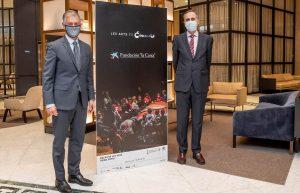 Xicu Costa, director territorial de CaixaBank en la Comunitat Valenciana y Pablo Font de Mora, presidente del Patronato del Palau de Les Arts de València
