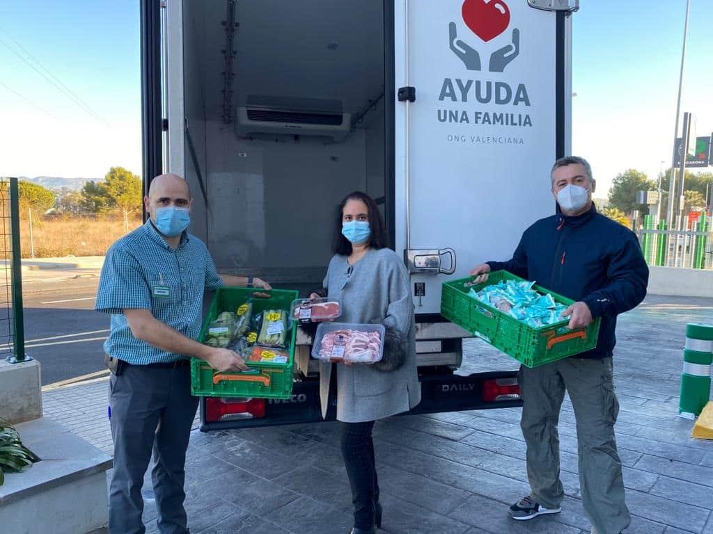 Reparto de Alimentos de Mercadona para la Fundación Ayuda a una Familia