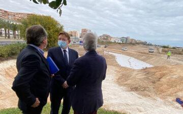 Ximo Puig, president de la Generalitat, en su vista a las obras del puerto de Alicante