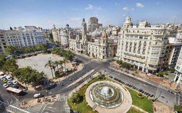 Vista de la plaza del Ayuntamiento de València.