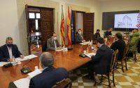 Ximo Puig preside la reunión de la Comisión de seguimiento de las ayudas del Plan Resistir en el Palau de la Generalitat