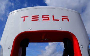 Una de las electrolineras de Tesla.
