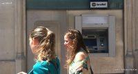 'Caos' en los bancos por la identificación con DNI