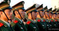 China refuerza su ejército mientras gana enteros en diplomacia