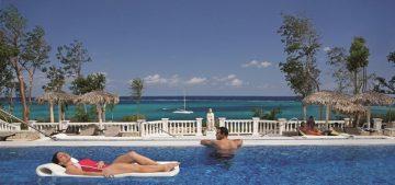 Los hoteles y agencias de viajes esperan la recuperación del turismo.