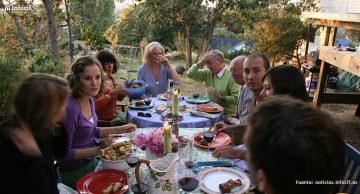 Airbnb quiere que invites a extraños a cenar