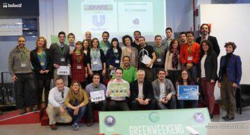 Los finalistas de Greenweekend Madrid con sus respectivos premios en la mano