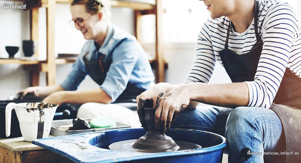 Emprendedores sacando partido a sus habilidades manuales. Lo artesanal está en auge
