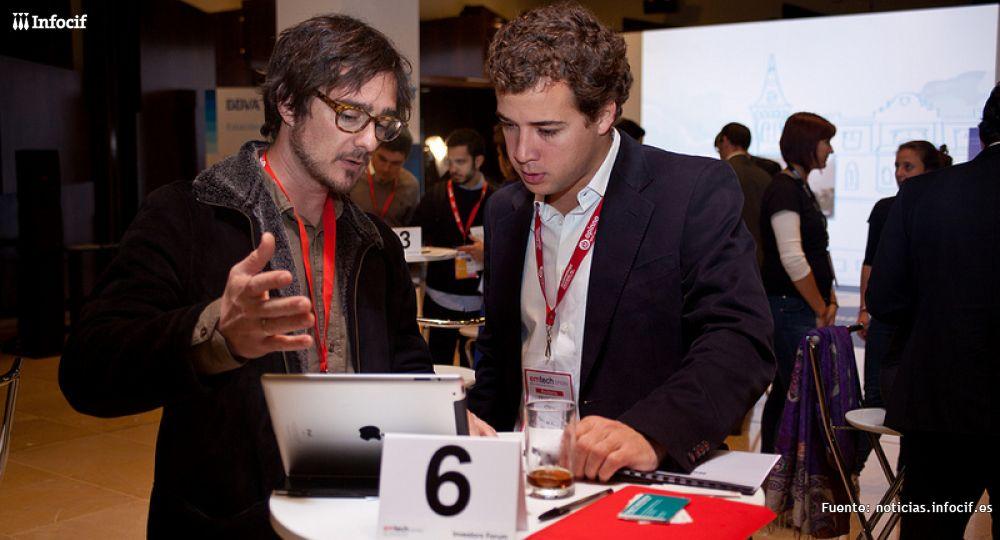 Francisco Sierra (dcha) durante el Foro de Inversión de 2012. /EMTECH