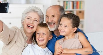 Los mayores se apuntan a los teléfonos inteligentes y tabletas