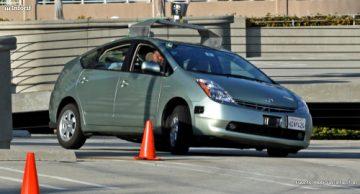El coche sin conductor de Google ya circula por ciudad