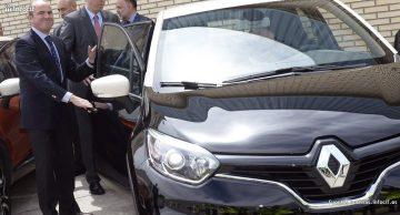 Economía recomienda al taxi que se adapte a las nuevas tecnologías