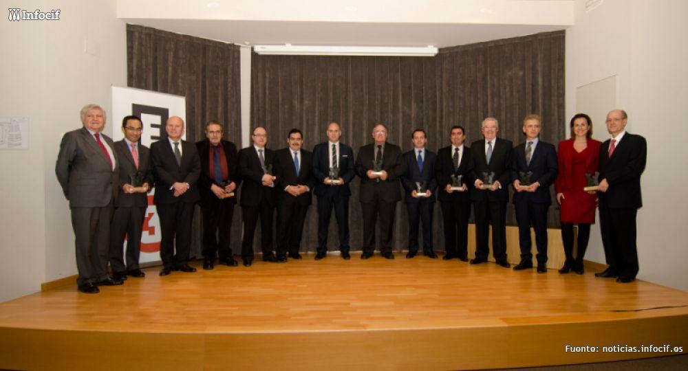 Javier García, Director General de Gedesco (quinto por la derecha)