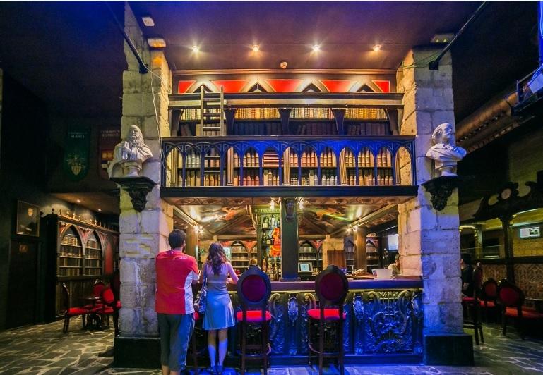 Pub 'La Biblioteca' en Alcoy, Alicante
