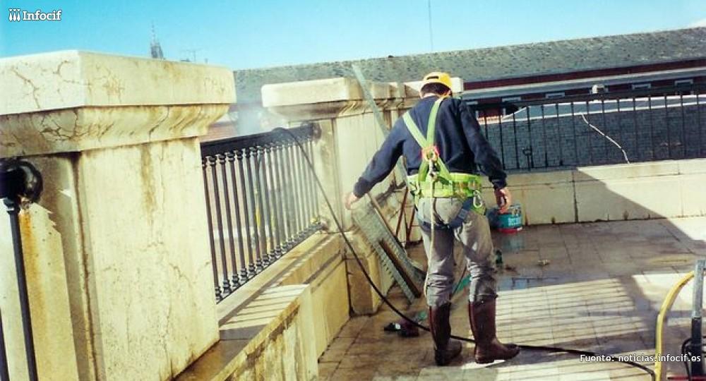 Limpiezas Micra se dedica a la limpieza y tratamientos de fachadas, restauración de monumentos y chorros de arena