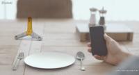 Owl es un dispositivo de utilidad para que los clientes indiquen sus necesidades a los camareros de un restaurante