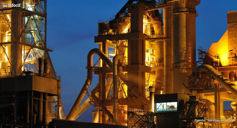 La industria española enlaza once meses en expansión. Foto: Rafael de Luis cc