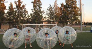 Riballs se dedica a la gestión de eventos deportivos con unas burbujas hinchables