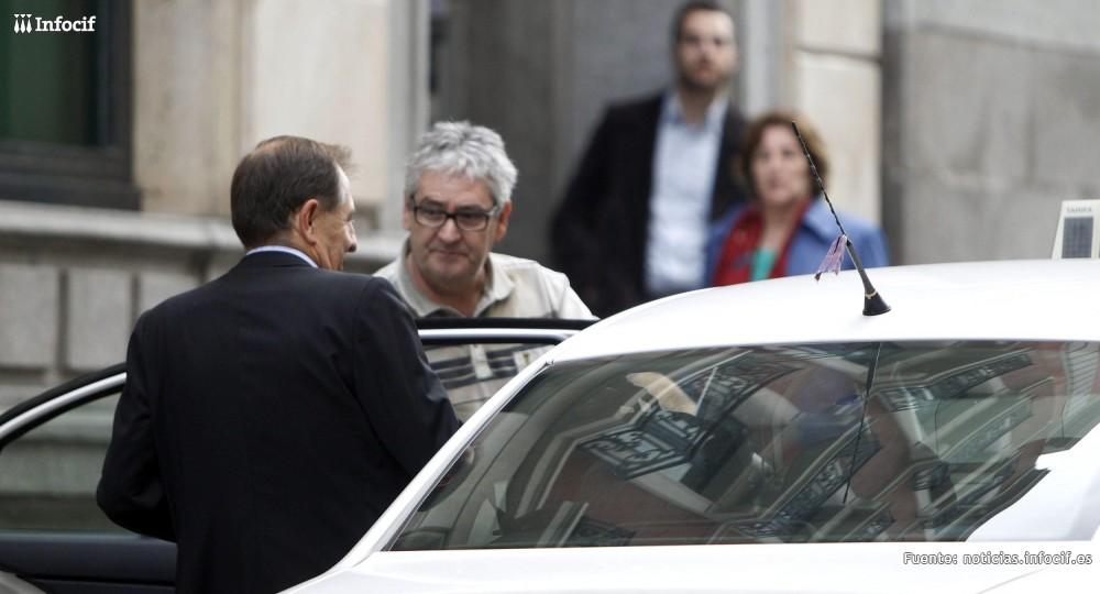 Madrid tramita 140 multas a coches de Uber en menos de un mes
