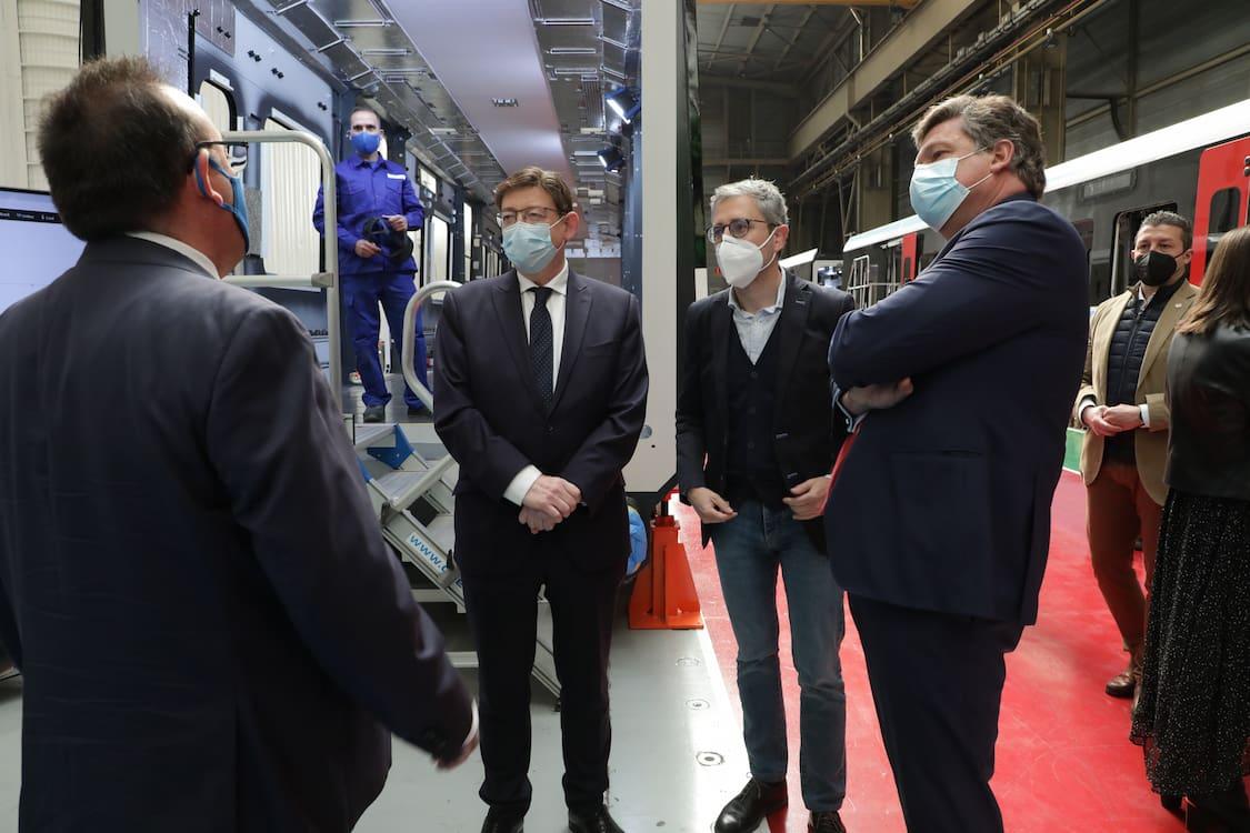 Puig visita la planta de Stadler