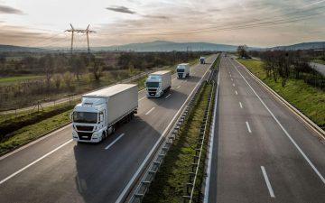 Camiones por la carretera
