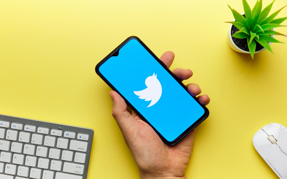 Un móvil con Twitter