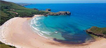 Una de las playas que ver en Llanes