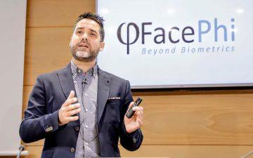 Javier Mira, CEO y cofundador de FacePhi recibe el premio Foroinvest