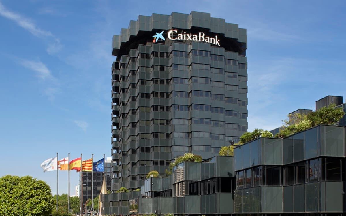 Sede de Caixabank. Fusiones.