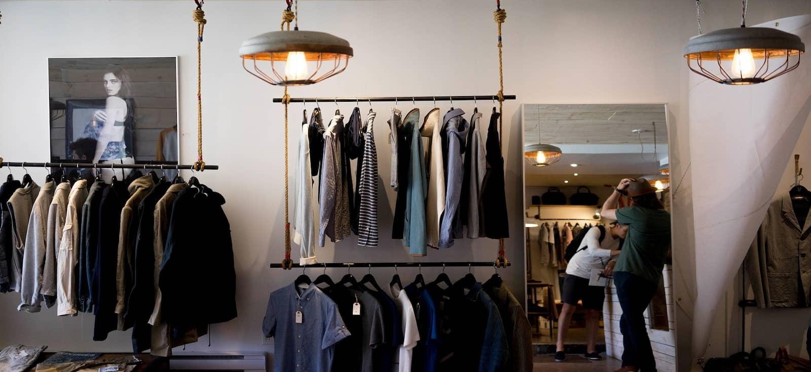 Sector del retail. Moda. Ropa. (Imagen de Free-Photos en Pixabay)