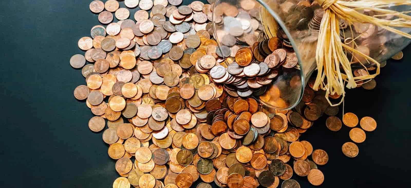 Dinero. SMI. (Imagen de Olya Adamovich en Pixabay)