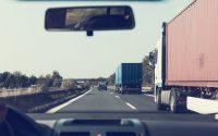 Autopista. Camiones. Camioneros. (Imagen de Markus Spiske en Pixabay)
