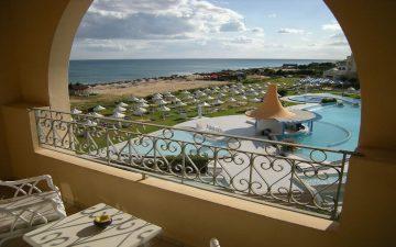 Uno de los mejores hoteles de playa de Valencia. Sector Hotelero.