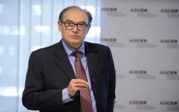 Vicente Nomdedeu, presidente de Ascer, analiza el estado actual del sector cerámico.