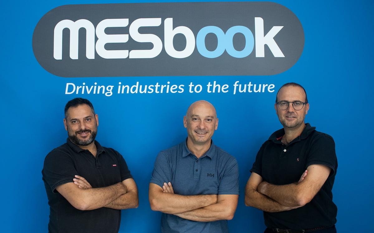 Los tres socios de MESbook