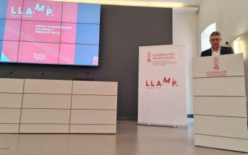 El conseller de Economía Sostenible, Sectores Productivos, Comercio y Trabajo, Rafa Climent, presenta la aceleradora LLAMP 3i.