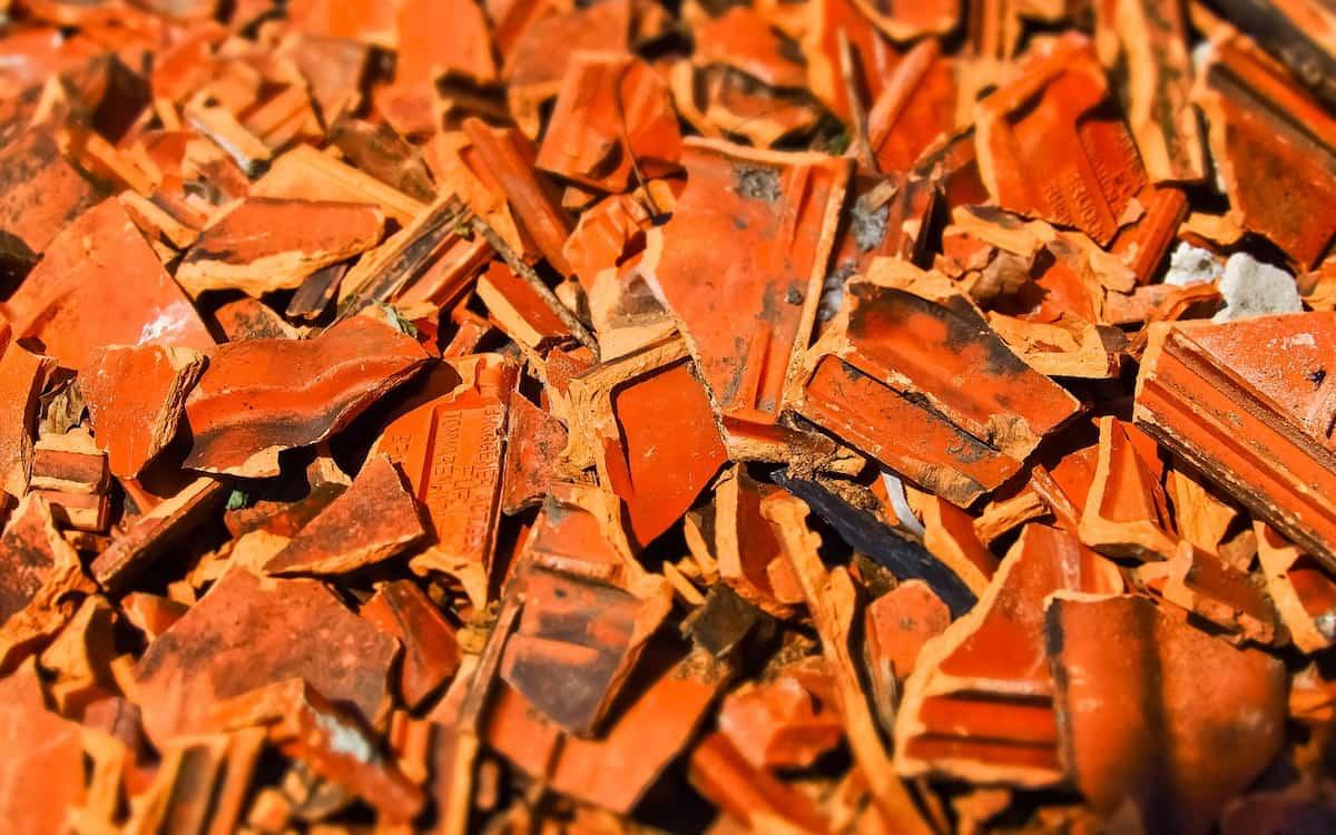 Azulejo. Sector azulejero. Ladrillo. Construcción. (Imagen de Hands off my tags! Michael Gaida en Pixabay)