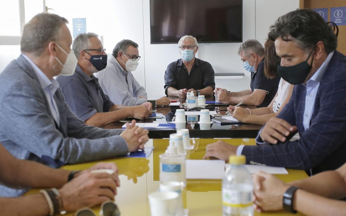 La Marina- Reunión alcalde y empresas