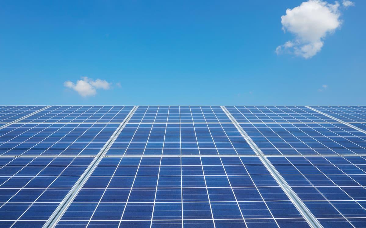 Panel fotovoltaico. (lotusgraph)