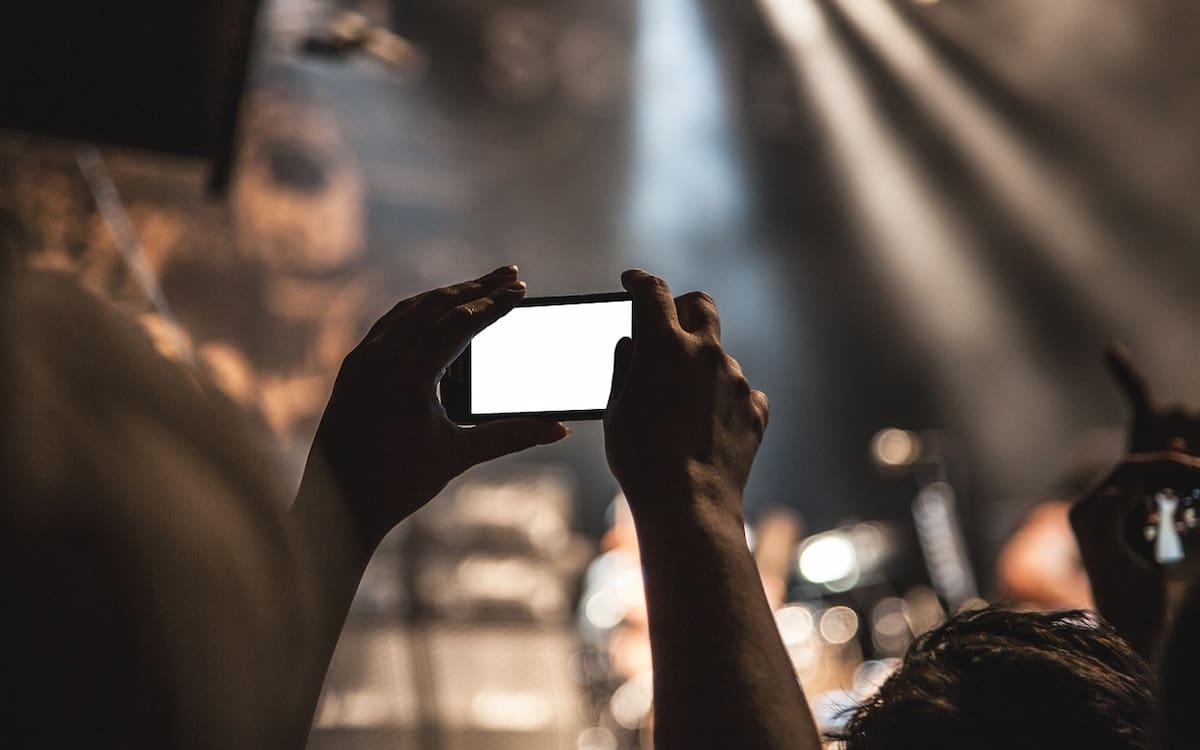 Smartphone. Smartphones. Móvil. (Imagen de SplitShire en Pixabay)