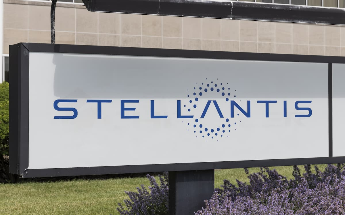 Imagen destacada Stellantis obtiene 6.000M en beneficios tras la fusión entre PSA y Fiat-Chrysler