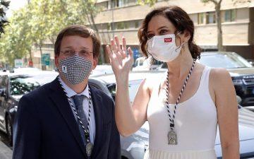 Isabel Díaz Ayuso y José Luis Martínez-Almeida. Ayusocoin.